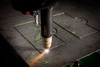 HOW-A-PLASMA-CUTTER-WORKS-2